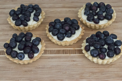 Blue berry cakes with Creme di pasticceria