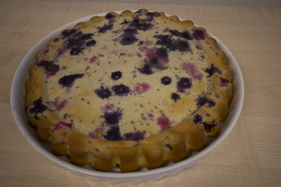 Blueberry cake with homemade butter-milk